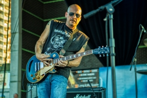 Scott jamming onstage with Larry McCray @The Windsor Bluesfest, July 2013
